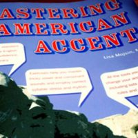 giao-trinh-tieng-anh-giao-tiep-hay-mastering-the-american-accent