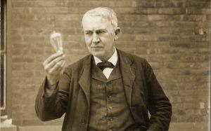 Thuyết trình về nhà khoa học yêu thích Thomas Alva Edison bằng tiếng anh